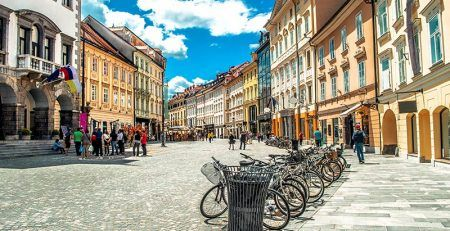 Deciding on company types in Slovenia - an audio guide