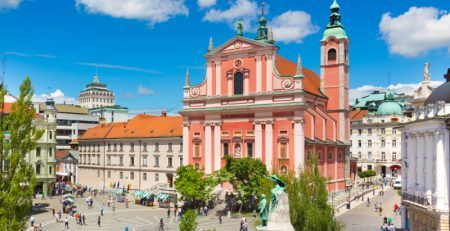 Success of Slovenia in defeating the epidemic option of business expansion