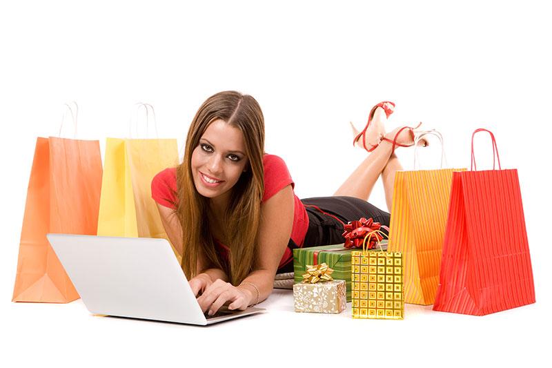 Na varnem pred novoletno gnečo – nakupi na spletu