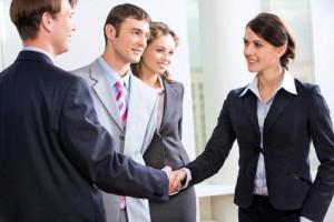 Kako do večjega števila žensk na vodilnih položajih?