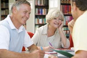 Študenti lahko za brezposelnega starša uveljavijo dobrih 2000 evrov olajšave