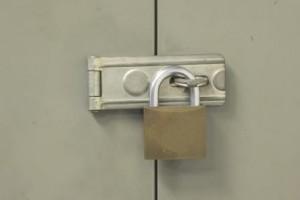 Inšpektorji še naprej pečatijo poslovne prostore podjetnikov