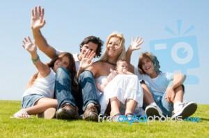 Nov pogoj za družine s tremi ali več otroki, da dobijo dodatek za veliko družino