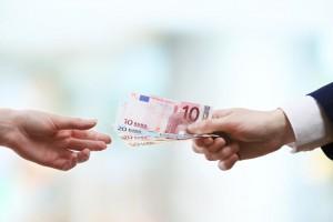 Minimalna plača bo zaposlenim ostala kljub izvršbam