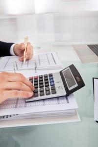 Če ste zaslužili več kot 3.300 evrov, morate napoved dohodnine v kratkem oddati sami