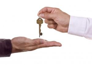 Nepremičninska licenca nujna, če želite posredovati nepremičnine