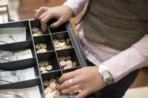 Leto 2016 bo zaznamovano z vpeljavo davčnih blagajn