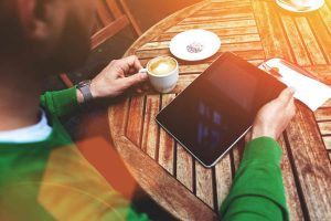 Bodoči podjetnik, izkoristi družbena omrežja in idejo najprej preveri na spletu