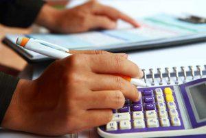 Znate plačevati davke? Poznate pojme izravnava, pobot in vračilo?