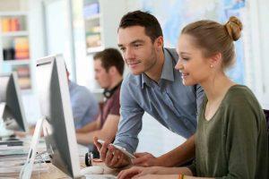 Vam pri delu pomaga študent?