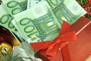 560 evrov univerzalnega temeljnega dohodka
