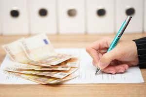 Prenehanje pogodbe o zaposlitvi za določen čas
