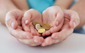 izplačila denarne socialne pomoči