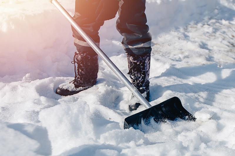 Kidanje snega je mogoče opravljati kot dejavnost tudi npr. preko popoldanskega s.p.-ja