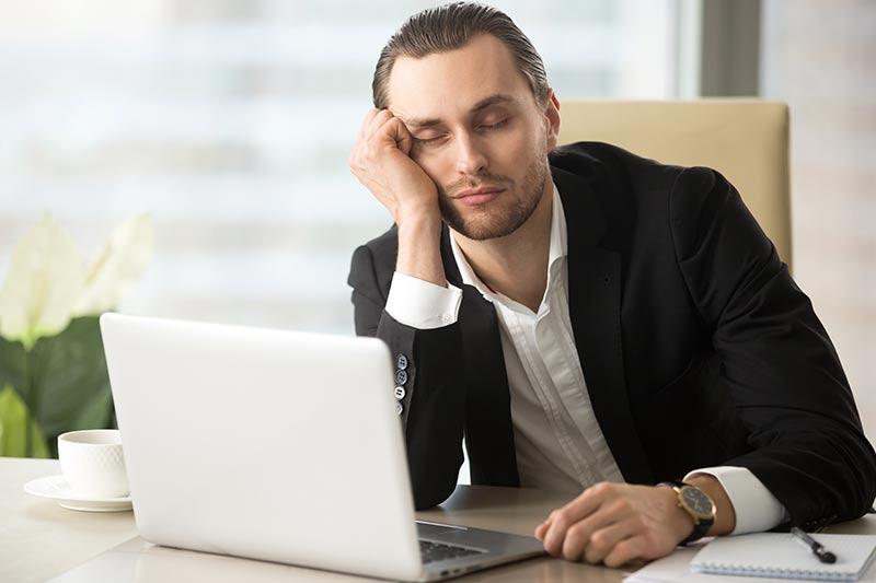 Opravljaje dela pod vplivom alkohola – razlog za odpoved pogodbe o zaposlitvi?