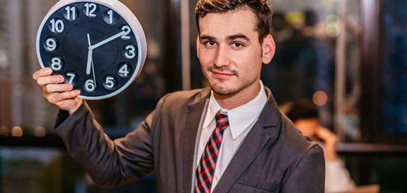 Neenakomerna razporeditev delovnega časa - kdaj gre za izravnavo ur in kdaj za nadure?