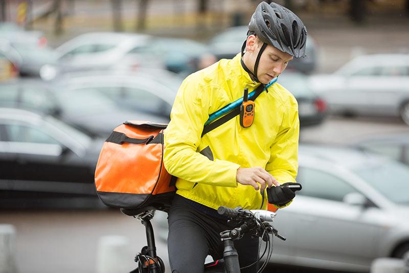 Osebna dostava pošiljk ali kurirska storitev je dejavnost za katero potrebujete le kolo in svoj s.p.!