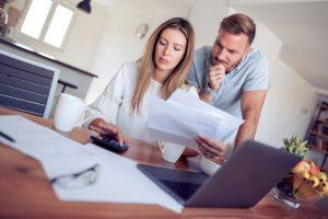 Informativni izračun dohodnine – kdaj lahko oziroma morate podati ugovor