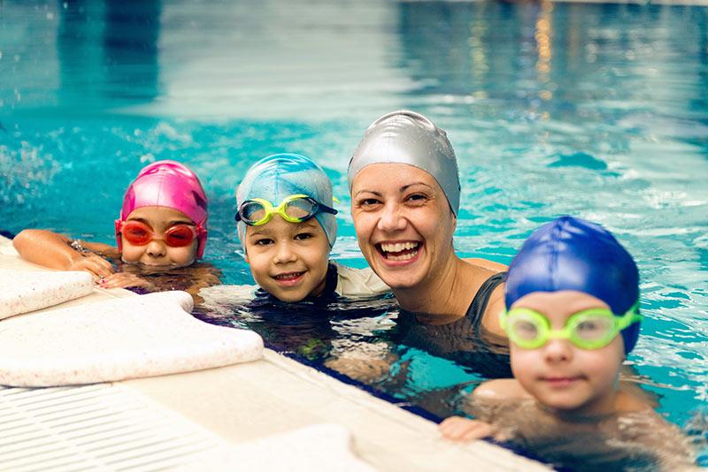 Postati samostojen učitelj plavanja dejansko pomeni le … registracijo podjetja!