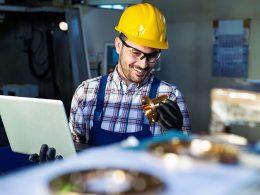 Katere pogoje mora izpolnjevati nekdo, ki za vaše podjetje izvaja ocenjevanje vrednosti strojev in naprav?