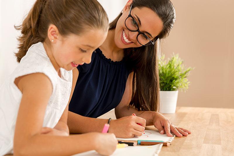 Inštrukcije so posebej aktualen način zaslužka v času, ko potekajo popravni izpiti ali jesenski roki mature oziroma izpiti!