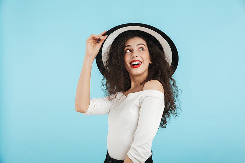 Bi izdelovali in prodajali klobuke - aktualna poslovna ideja