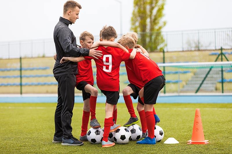 Bi radi postali trener nogomet-a? Brez registracije s.p. se ne da
