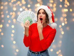 Povprečna mesečna plača 2019 po dejavnostih - kakšne so razlike?