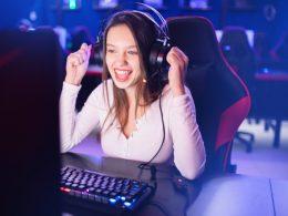 Igralec videoiger - novodobni poklic in vir zaslužka!