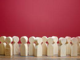 Priporočila glede števila strank v poslovnih prostorih