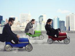 Javni potniški promet ukinjen: kako postopati, ko prihod na delo ni mogoč?