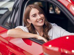 Kazni za prehitro vožnjo na službeni poti: kdo jih krije?